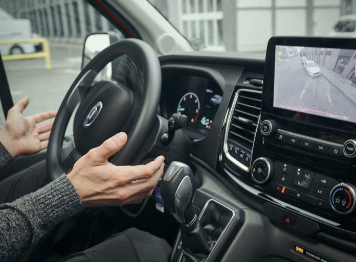 Ford Transit: Novas Tecnologias fazem com que os problemas para estacionar sejam coisa do passado