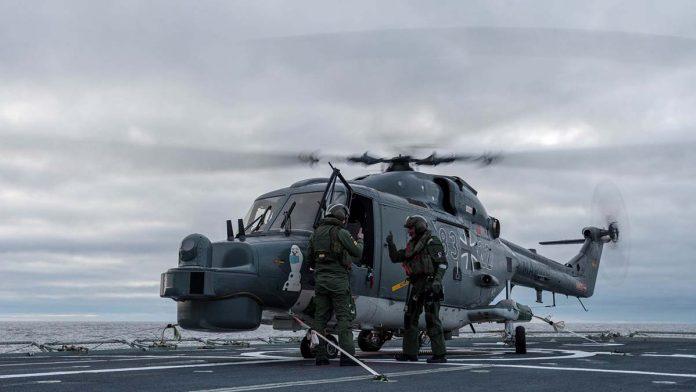 Helicóptero alemão fragata Corte Real