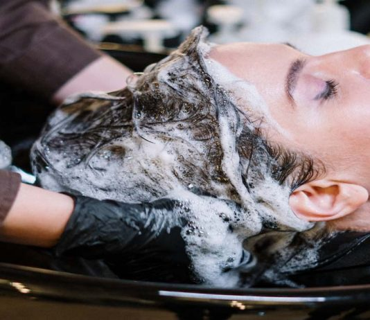procura de cabeleireiro cresce durante o confinamento