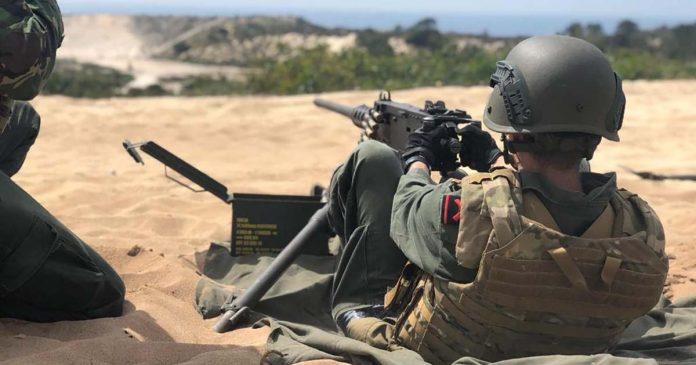 Fuzileiros treino de tiro