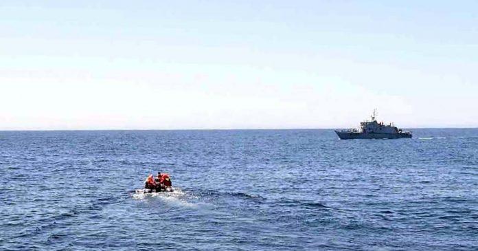 resgate de polacos em veleiro sinistrado