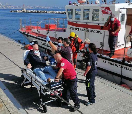 Resgate de passageiro ao largo de Cascais